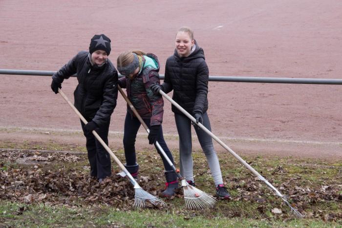 """Aktion """"Saubere Stadt"""" – TVE reinigt öffentlichen Raum rund um das Vereinsgelände"""
