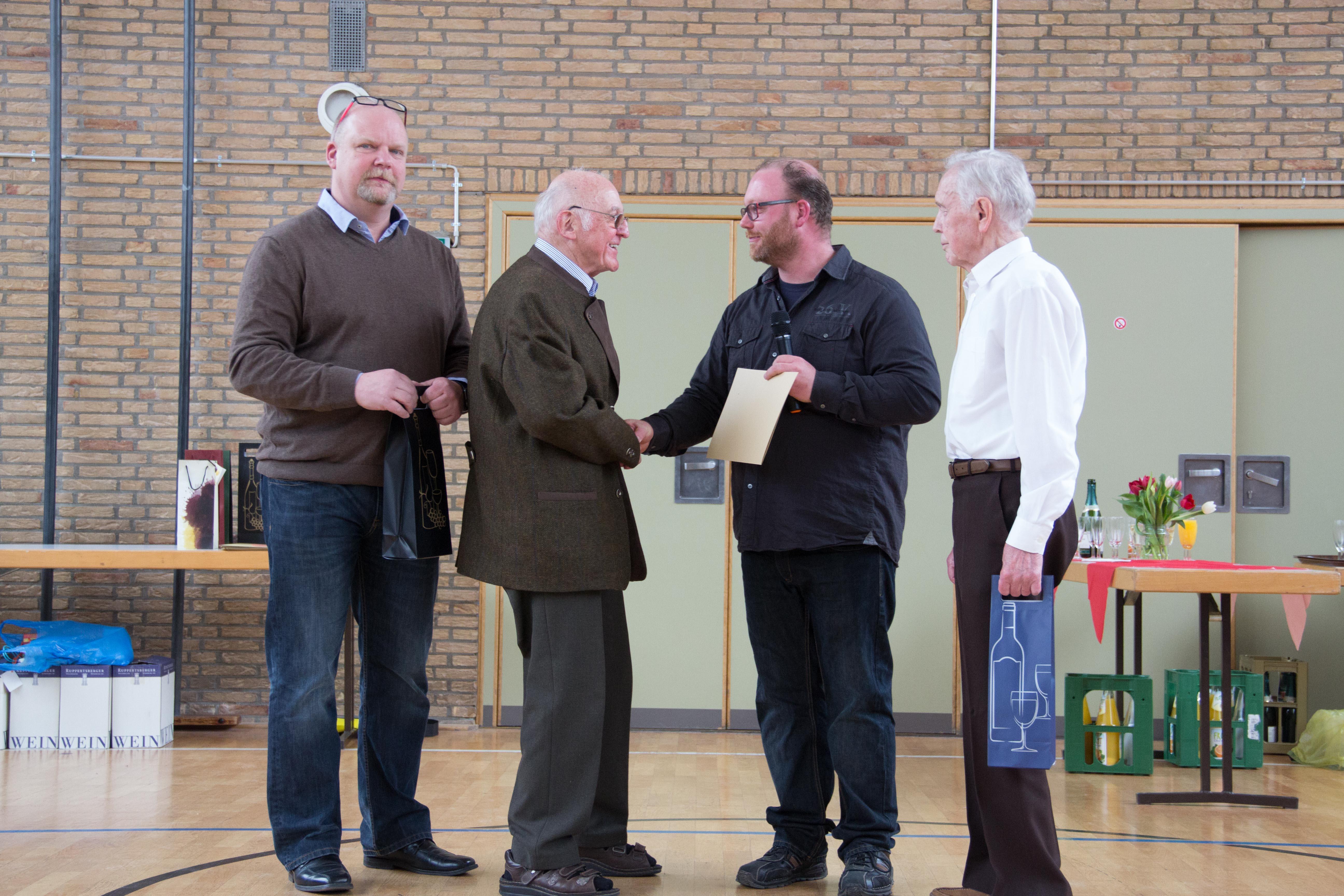 Seniorentreff mit Mitgliederehrung in vollbesetzter Lessinghalle